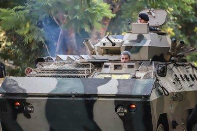 """Abdo sigue en """"modo militar"""""""
