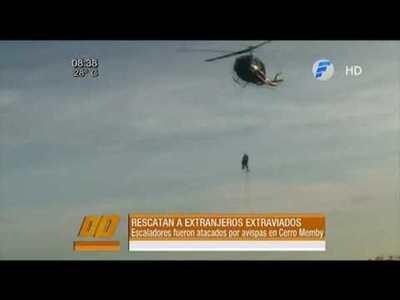 Rescatan a extranjeros atrapados en un cerro