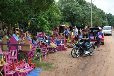 Caaguazú: Juguetes de madera para Reyes Magos