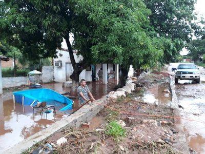 Obras de empedrado dejaron varias casas inundadas