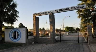 HOY / Tecnología nuclear puede ser una alternativa de energía para el país, afirma excanciller