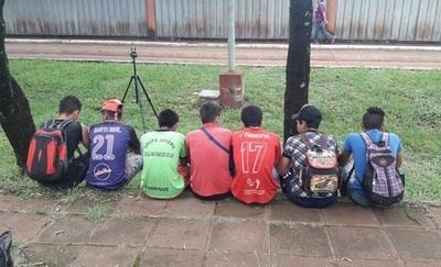 SMO: Jóvenes recorren kilómetros pero son rechazados