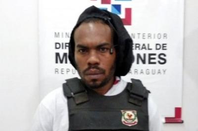 Ministro denuncia a juez que liberó a miembro de grupo criminal
