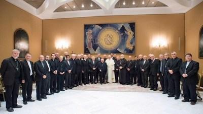 Obispos de Chile ponen su renuncia a disposición del Papa Francisco por abusos sexuales