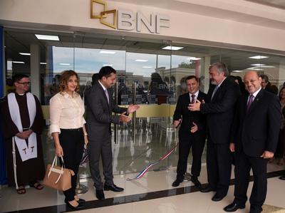Banco Nacional de Fomento inaugura nueva sucursal en San Lorenzo