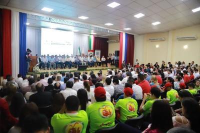 Jornada de Gobierno en Itapúa concluye con  entrega de equipos médicos y aportes sociales