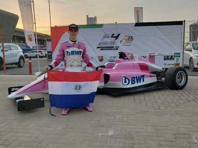 Piloto paraguayo triunfa en su debut en circuito de la F4