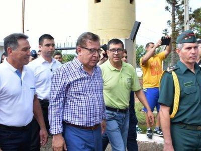 Nicanor pregunta si los patrones deben seguir dirigiendo el país