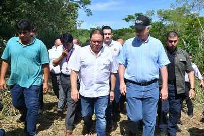 Autoridades verificaron sitio donde se construirá el segundo puente sobre el Paraná