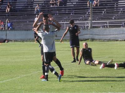 Libertad cosechó un triunfo en su último amistoso en Uruguay