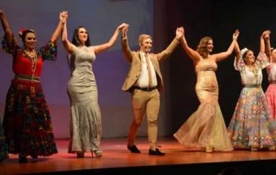 Sigue Función De Amichi En El Teatro Latino