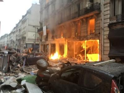 Explosión en panadería deja cuatro muertos y decenas de heridos