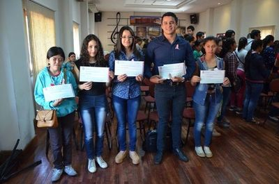 Paraguay seguirá recibiendo becas de Israel