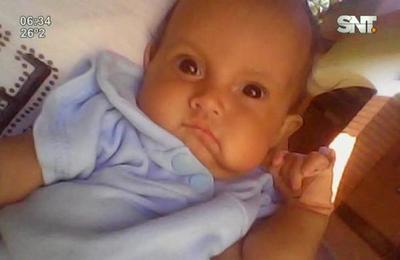 Bebé prematuro lucha por su vida