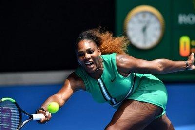 Serena arrasa en su estreno en Abierto de Australia
