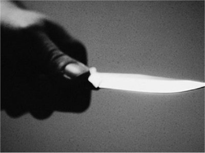 Un hombre habría intentado matar a su madre con un cuchillo
