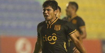 Robert Rojas está para jugar en la Superliga