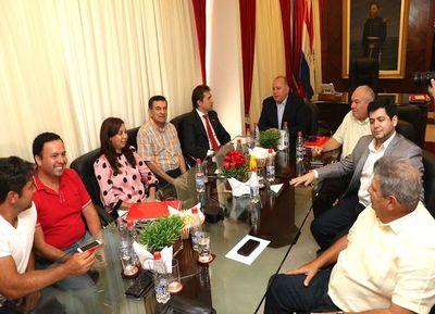Colorados critican a Filártiga por llamar a reunión durante el receso