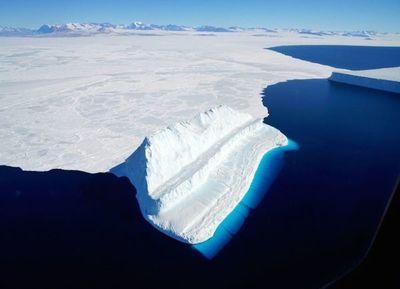Hielo de la Antártida se derrite más rápido, revela un estudio