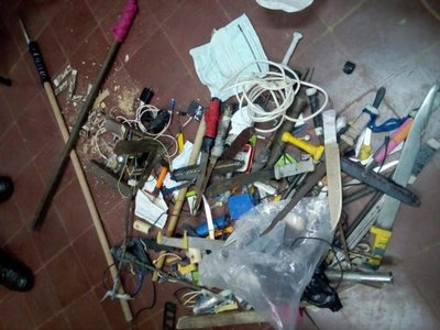 Requisan objetos punzantes de Penitenciaría de San Pedro