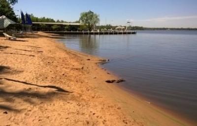 Aguas del Lago Ypacaraí llenas de excremento