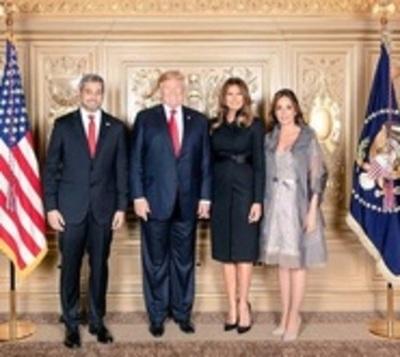 Trump levanta el pulgar a Abdo por ruptura diplomática con Venezuela