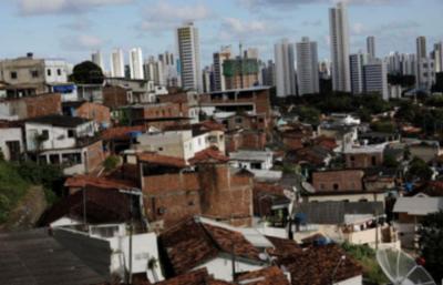 Extrema pobreza sube a su máximo en casi una década