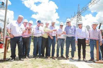 Mandatario verificó diseño de la ruta bioceánica e inauguró subestación eléctrica en Loma Plata