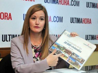 Soledad Núñez sostiene que construyeron 37.000 viviendas