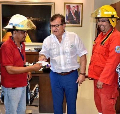 Bomberos voluntarios de Caaguazú contarán con nuevo carro hidrante tras donaciones