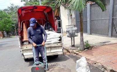 HOY / La 'reparación' de la Essap desata indignación: 'Mi perro taparía mejor ese hoyo'