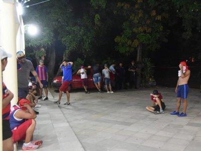 Hinchas de Cerro fueron retenidos por disturbios