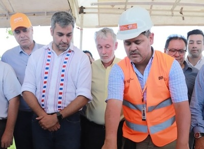 Abdo Benítez confía en que el corredor bioceánico transforme Paraguay