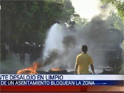 Tensión en Limpio por el desalojo de varias familias