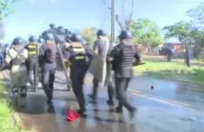 Siguen los incidentes por desalojo en Limpio