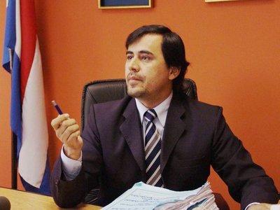 Corte suspende al juez Rubén Ayala Brun
