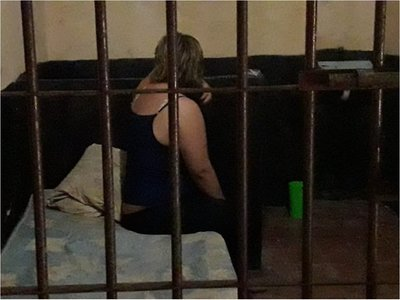 Es detenida mujer que estuvo con Papo Morales en Villarrica