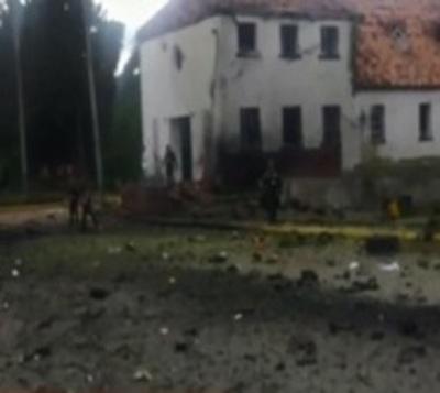 Ocho muertos tras atentado con coche bomba en Colombia