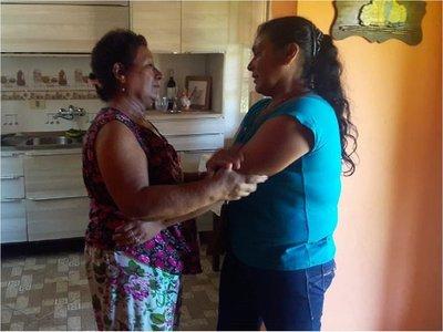 Madre e hija se reencuentran luego de 43 años