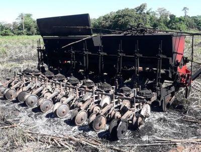 """Detienen a uno de los """"sintierras"""" que quemó sembradora en Yhú"""