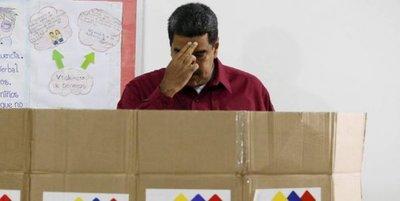 """Nicolás Maduro: """"Yo ya fui al futuro y volví, y vi que todo salía bien"""""""