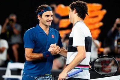 Federer se pasea frente a Fritz