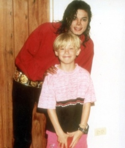 """""""Mi pobre angelito"""" habla de su relación con Michael Jackson"""