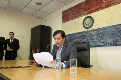 Rubén Ayala Brun presenta su renuncia como juez ante la Corte