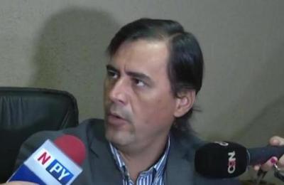 Renunció Juez Raúl Ayala Brun