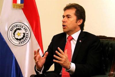 """Canciller insiste en """"aislar completamente"""" a Maduro para encontrar solución"""