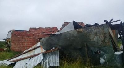 Tras temporal, varias familias quedaron sin viviendas en Pilar