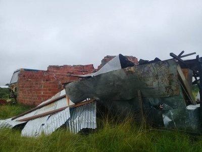 Temporal afectó varias viviendas en Pilar