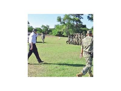 Organizaciones denuncian que menores reciben instrucción militar en cuarteles