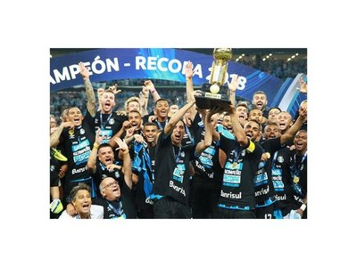 Gremio conquista segunda Recopa ante Independiente